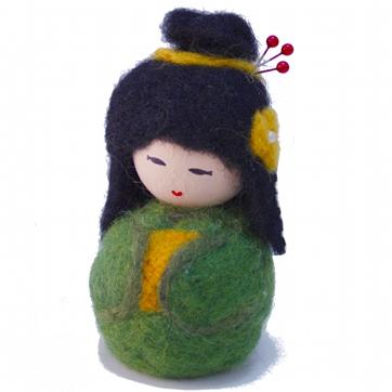 alfiletero-muñeca-kokeshi